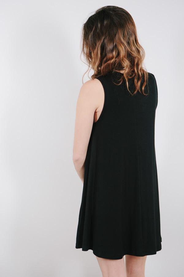 BLQ Basiq Sleeveless Shift Dress