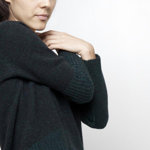 7115 by Szeki Reversible Cropped Sweater