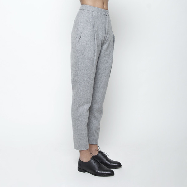 7115 by Szeki Wool Gathered Trouser