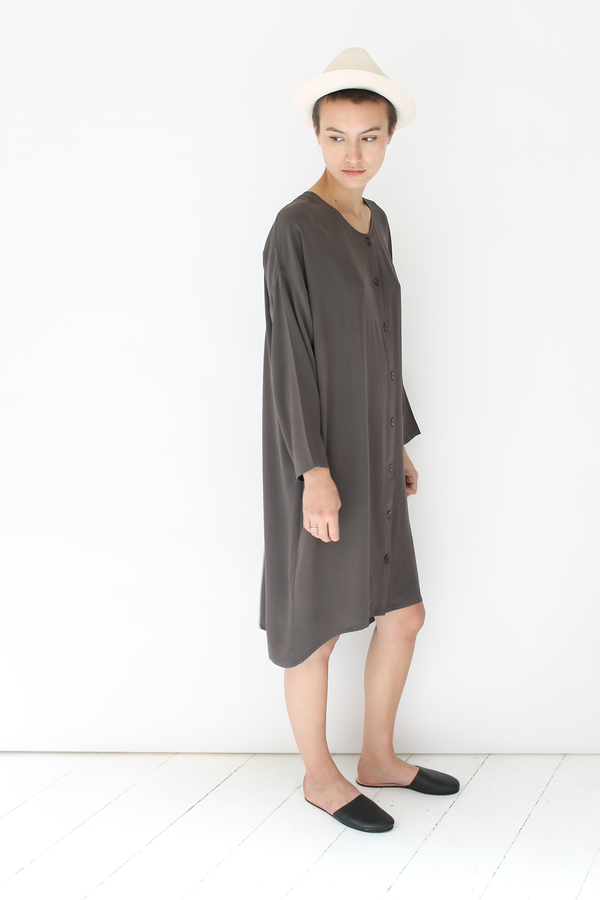 Revisited silk shirt dress | stone