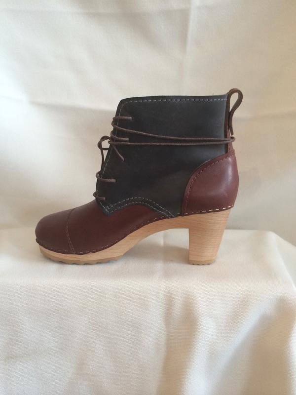 bryr leather clog