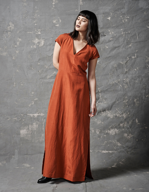 ALI GOLDEN V-NECK MAXI DRESS - RUST