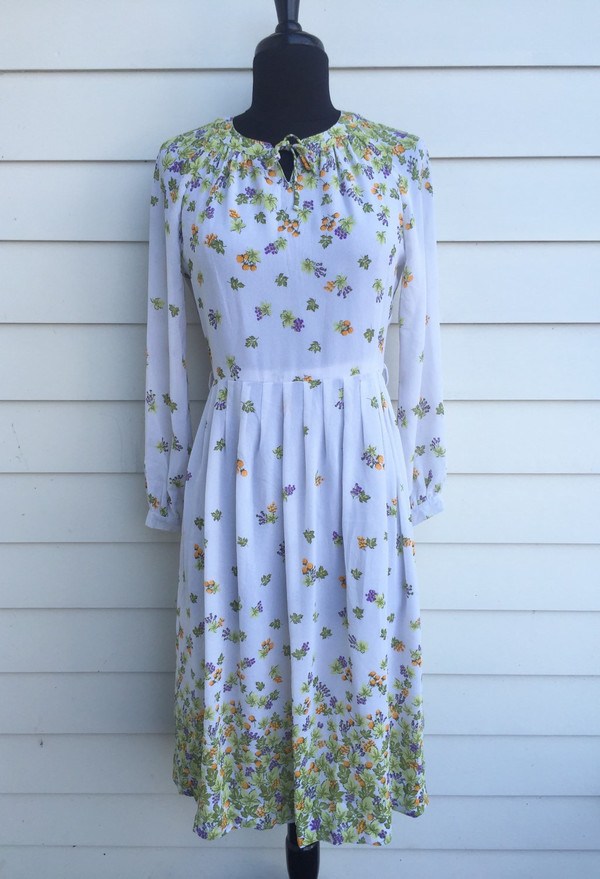 Floral 80's pretty Japanese mid length dress