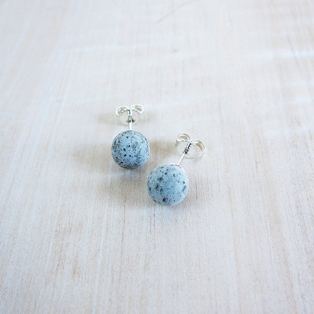 Metsa cement pearl earrings
