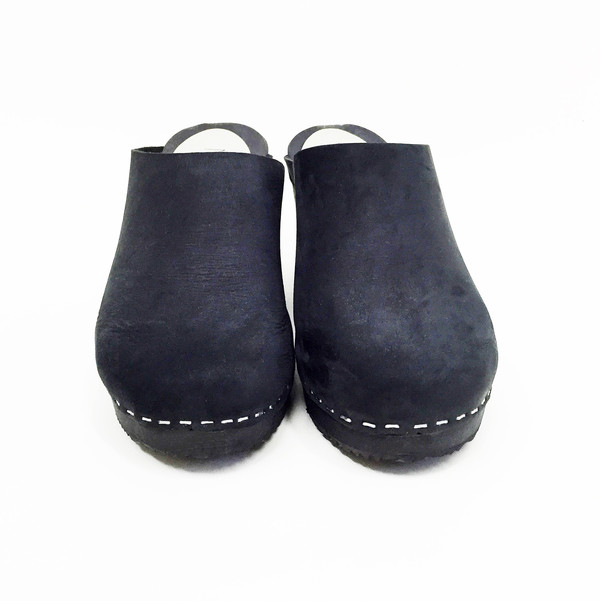 Nina Z Black on Black Niko Clog