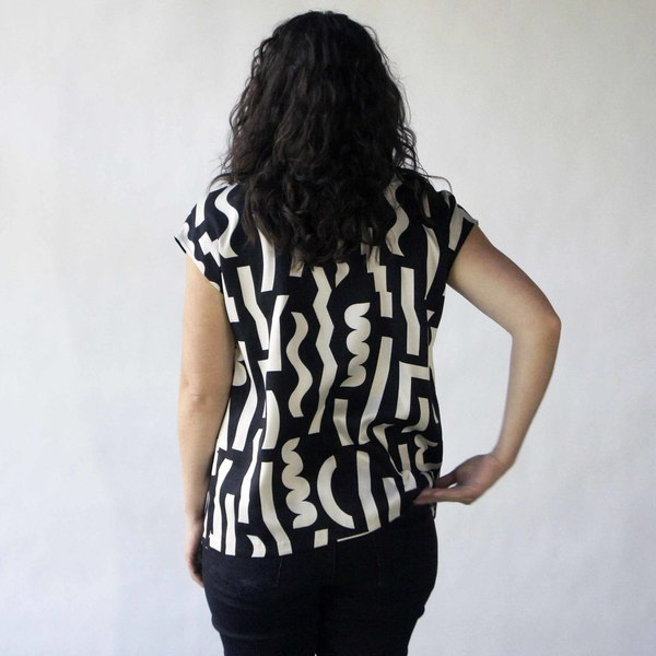 Oversize Tee in Black Slash Print