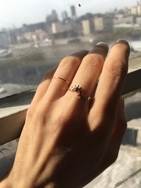 Winden Wink Ring