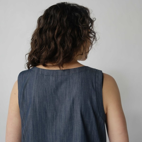 Lu. Frolic Top No. 2 in Chambray Union