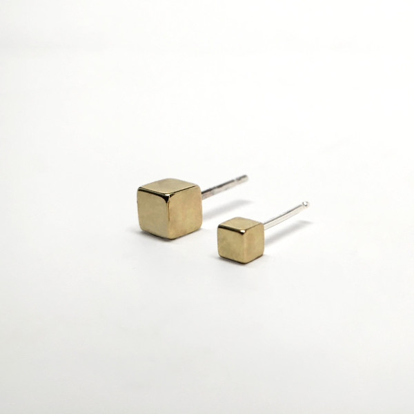 7115 by Szeki Cubes Stud Earrings II