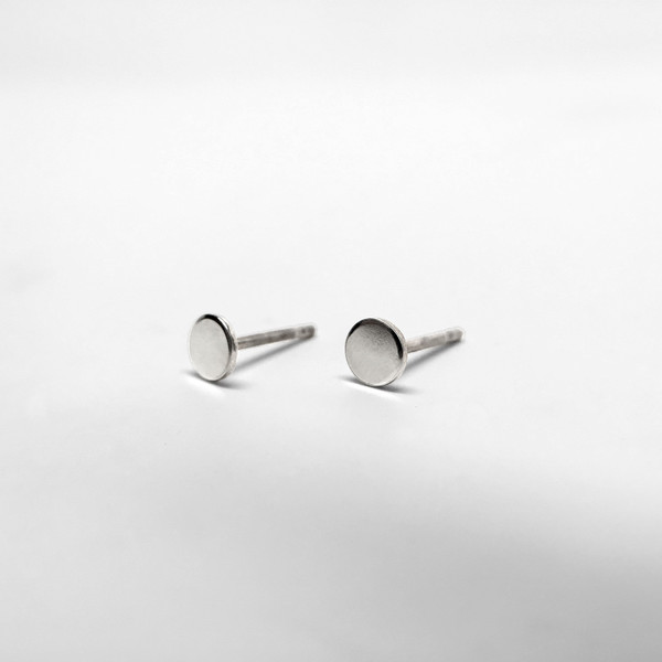 7115 by Szeki Disc Stud Earrings