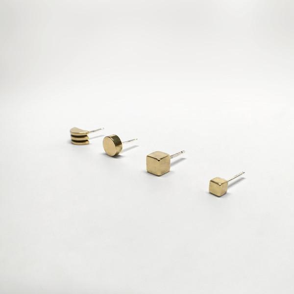 7115 by Szeki Mix of 4 Stud Earrings