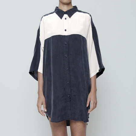 7115 by Szeki Panel Cocoon Shirtdress