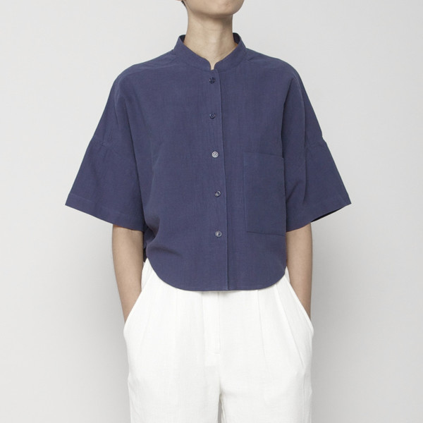 7115 by Szeki Pocket Cropped Shirt