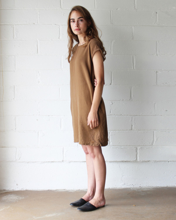 Esby CAROLINE SHIFT DRESS - SIENNA