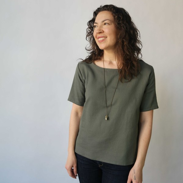 Curator Hanna Matty Tee in Dusty Green