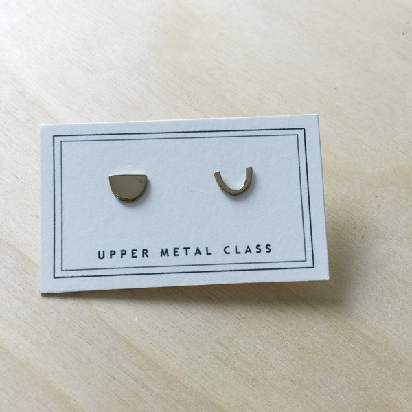 Upper Metal Class Semi Oval + Curve Earrings