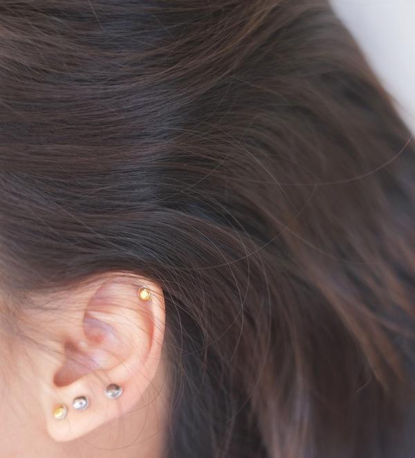 Jujumade 14K white gold dot earring