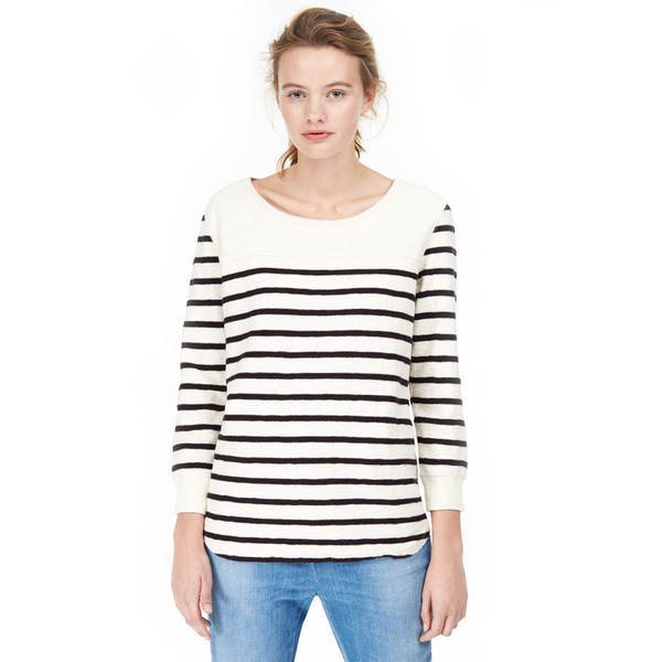 closed striped tee