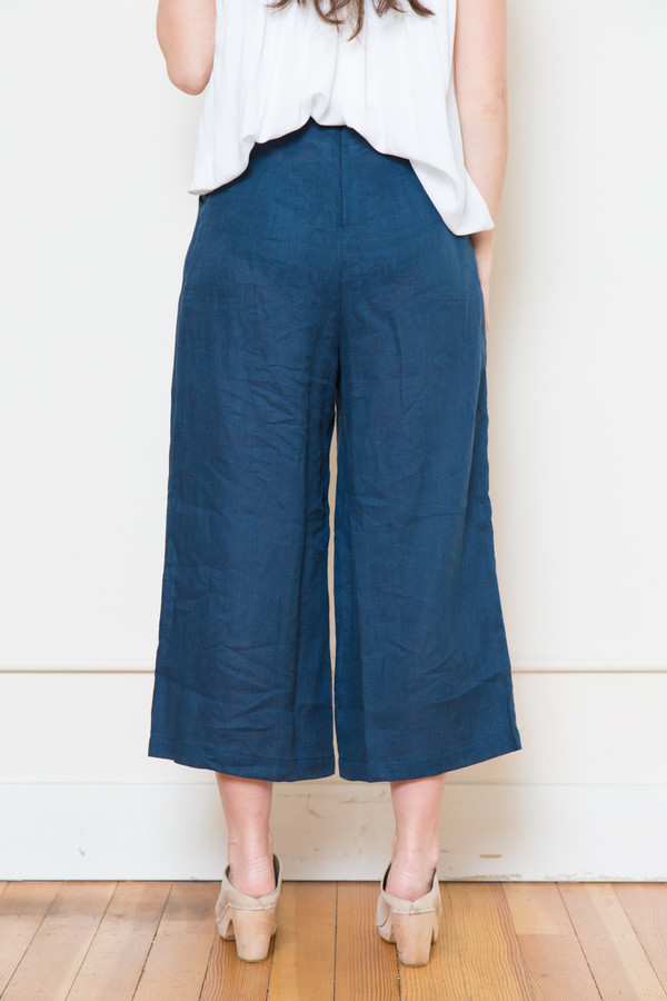 sam & lavi portia linen pants in navy