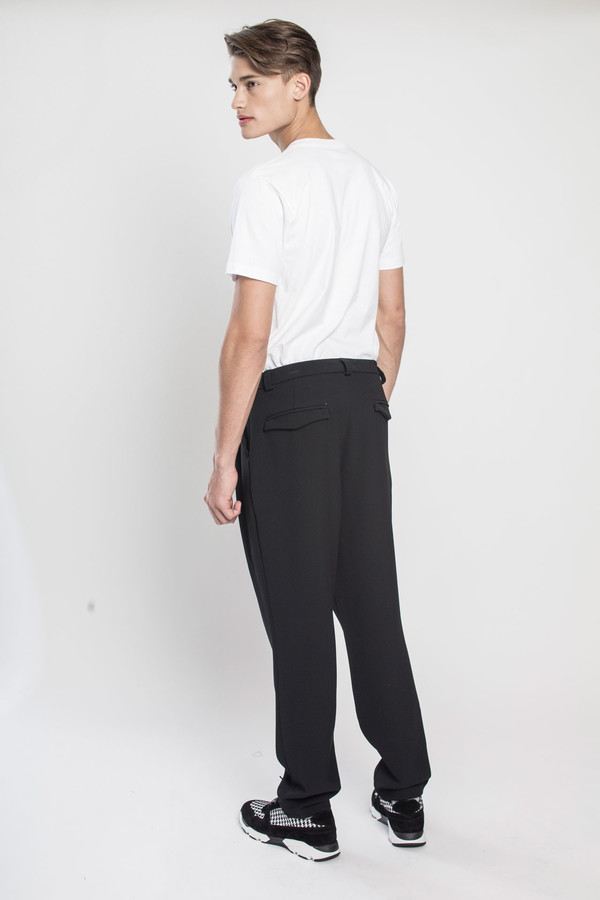 Men's TOURNE DE TRANSMISSION Yutok Crepe Zoot Pant in Black