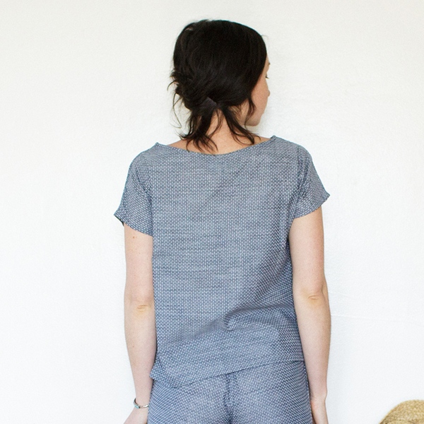 Me & Arrow  Basic Tee Dot Chambray