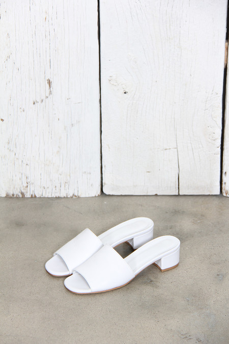 Maryam Nassir Zadeh SOPHIE SLIDES IN WHITE