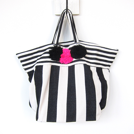Jade Tribe Valerie pom pom beach bag - black