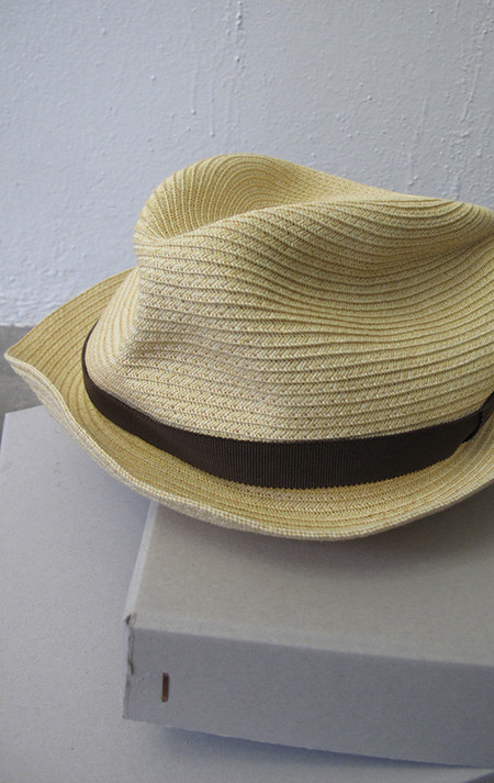 Mature-Ha Hat in pale natural/black ribbon