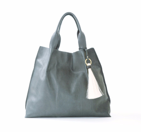 Oliveve Maggie Tote In Grey Pebble Leather With Horsehair Tassel