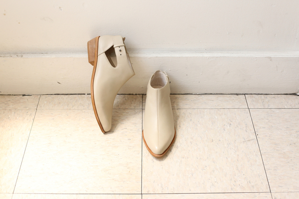 Intentionally Blank FINC BOOTIE BONE LEATHER