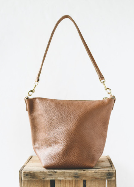 Wood & Faulk - Leather Field Bag in Fawn