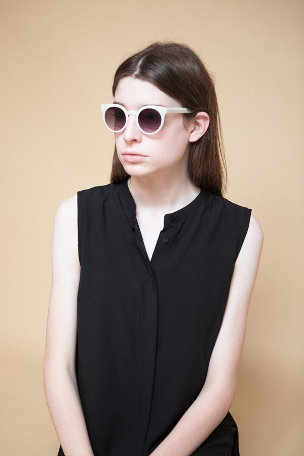 KOMONO Lulu Sunglasses / Milky White