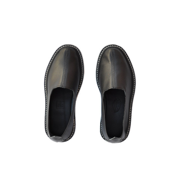 Vayarta Black Leather Slip-Ons