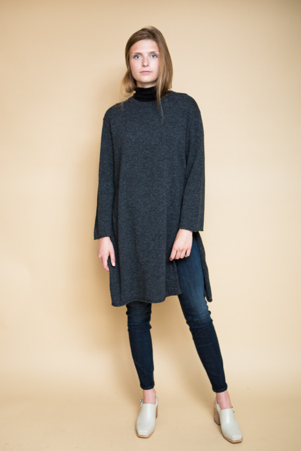 Achro Side Slit Long Sweater / Charcoal