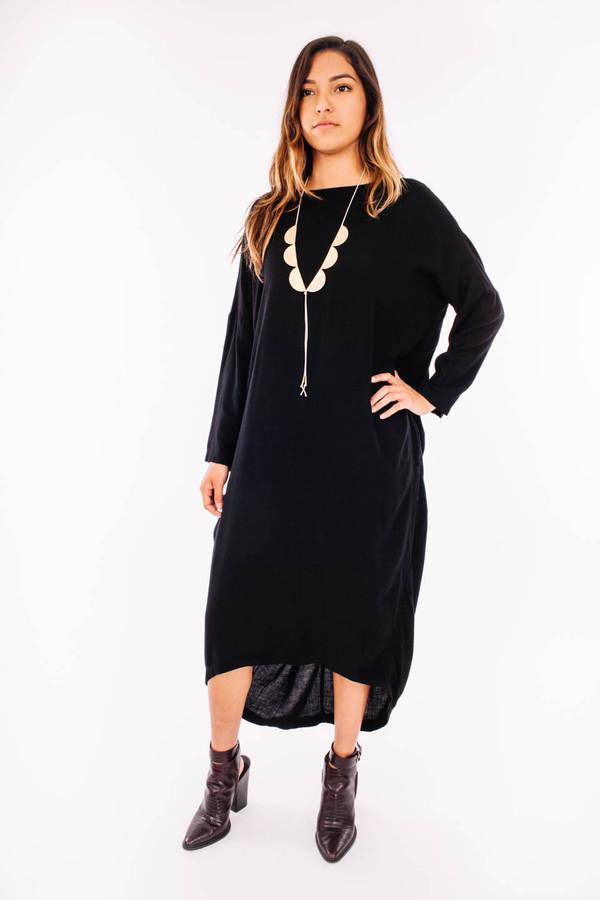Black Crane Pleated Cocoon Dress (Black)
