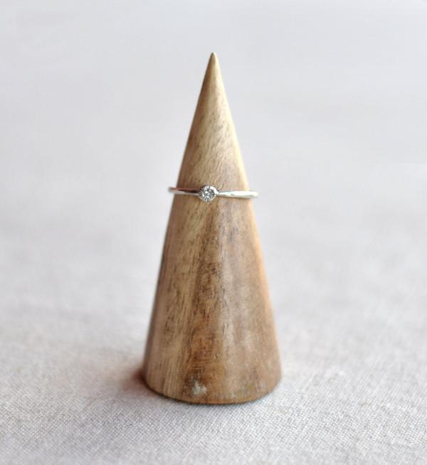 Satomi Kawakita Sunburst Seed Diamond Ring