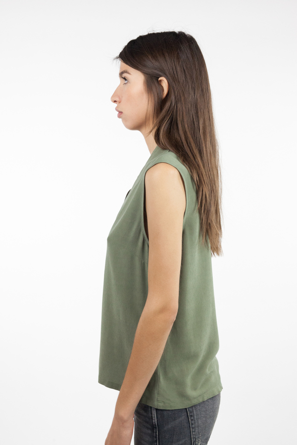 just female Mar Sleeveless Shirt - Litchen Green