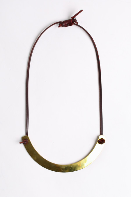 Crescioni Moray necklace in oxblood
