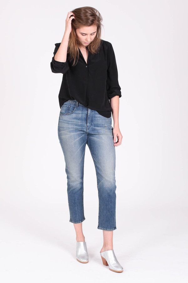 The Podolls Pullover top in black