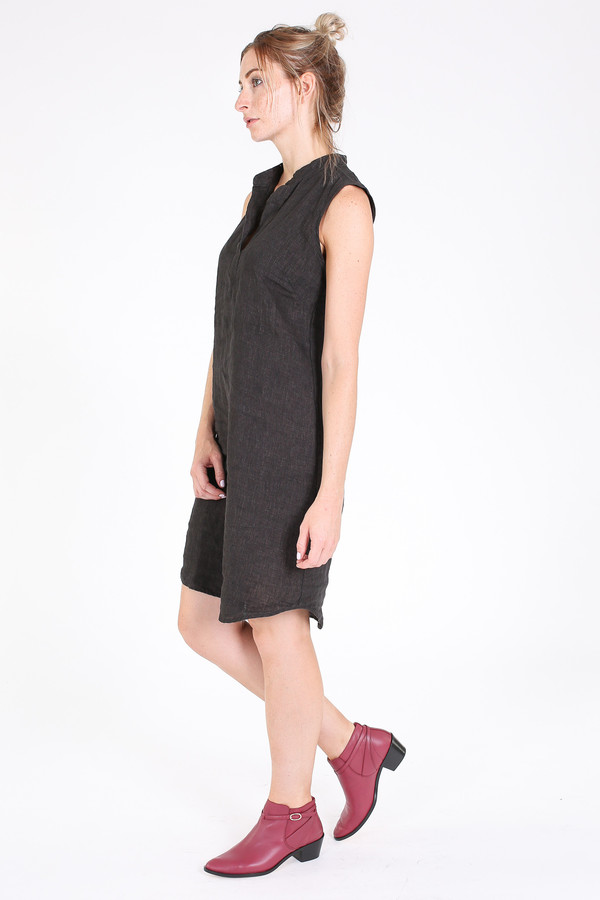 Sleeveless shirt dress in espresso