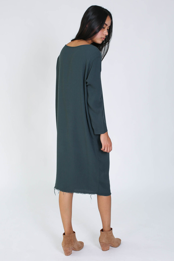 Black Crane Slim dress in dark shadow