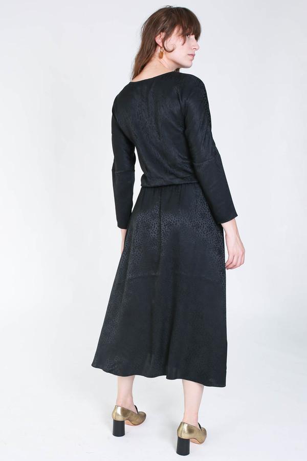 Svilu Ray Dress in Black