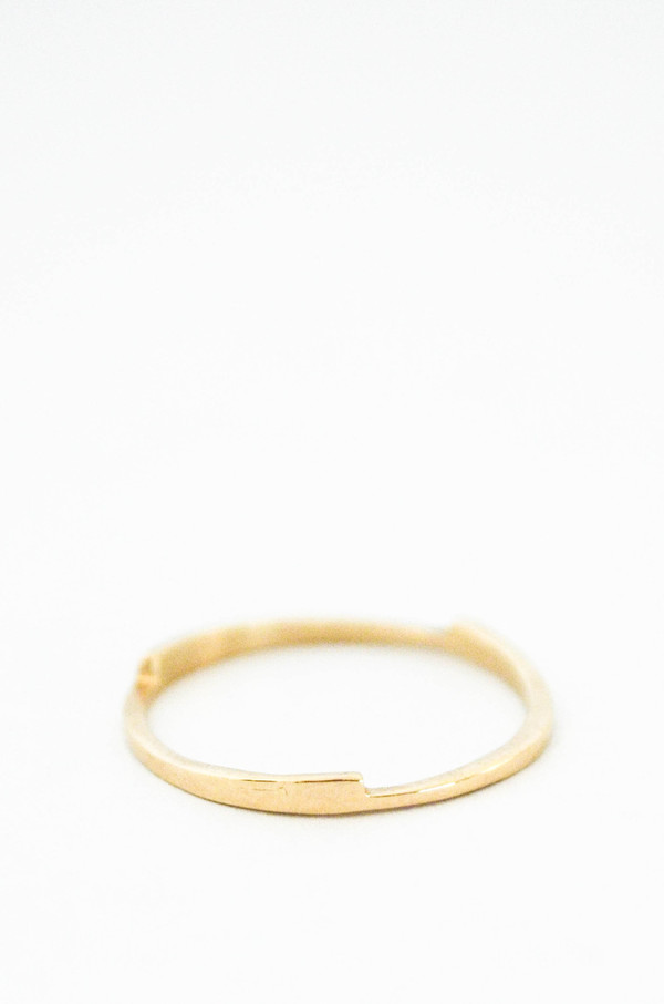 T.Kahres 10kt Gold Razor Stack Ring