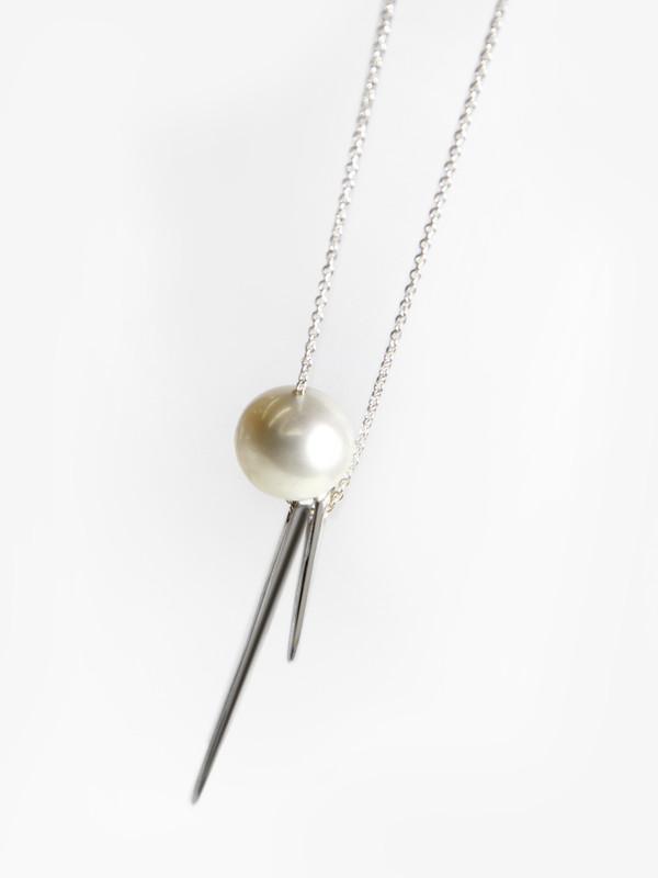 Tamlin Needle Needle Pearl Necklace