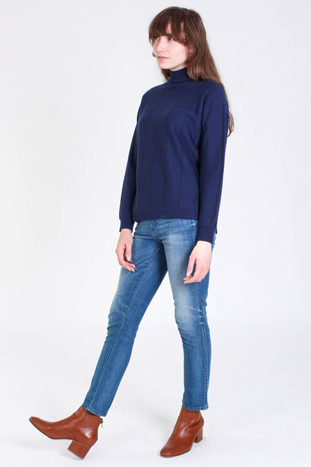 Svilu Stripe turtleneck in navy
