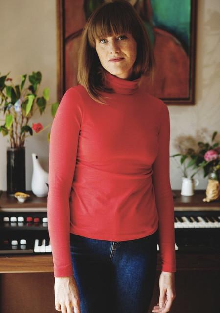 Betina Lou Viviane Turtleneck (Red)