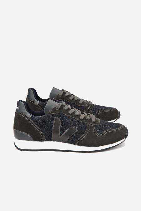 VEJA Holiday Flannel Sneaker in dark graphite