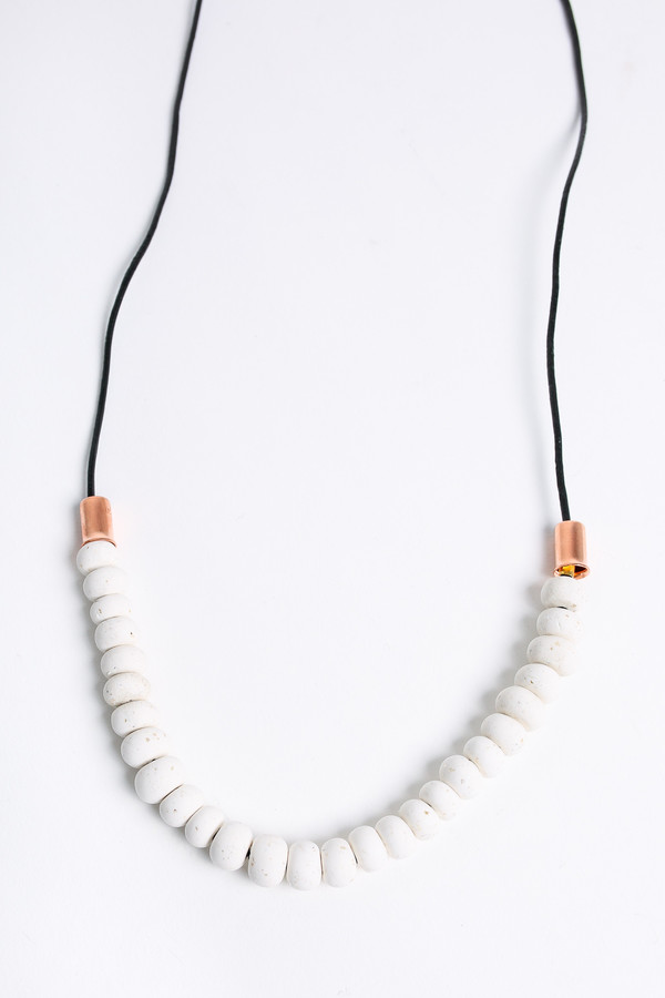 Pepper Train The Mini Mono Necklace in white