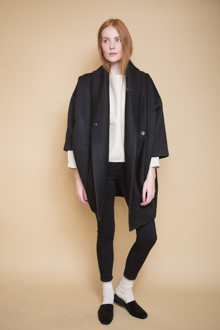 Reality Studio Xiong Coat / Black