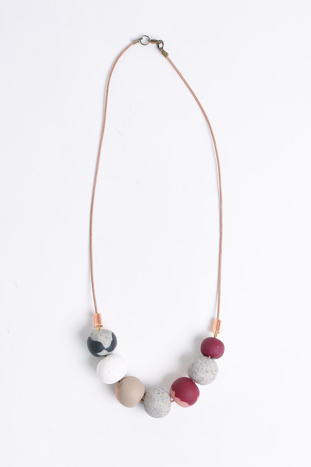 Peppertrain The jessie mini necklace in stone/bordeaux